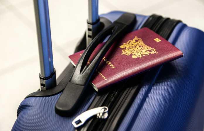 Πέντε συλλήψεις για πλαστογραφία ταξιδιωτικών εγγράφων στη Μύκονο