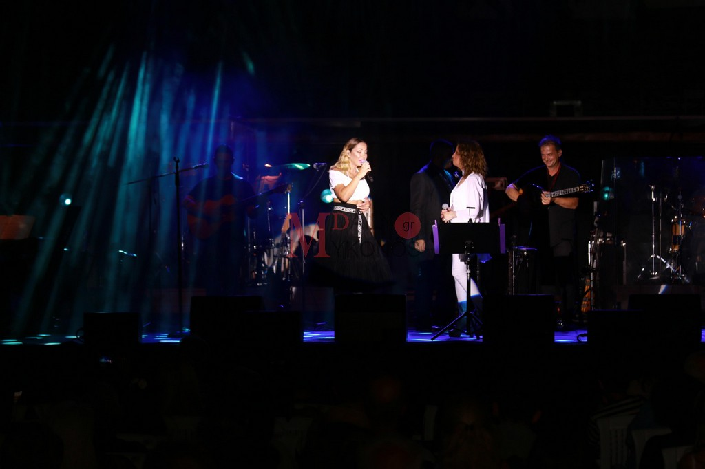 Γλυκερία και Μελίνα Ασλανίδου «ταξίδεψαν» με τις μελωδίες τους… τη Μύκονο!