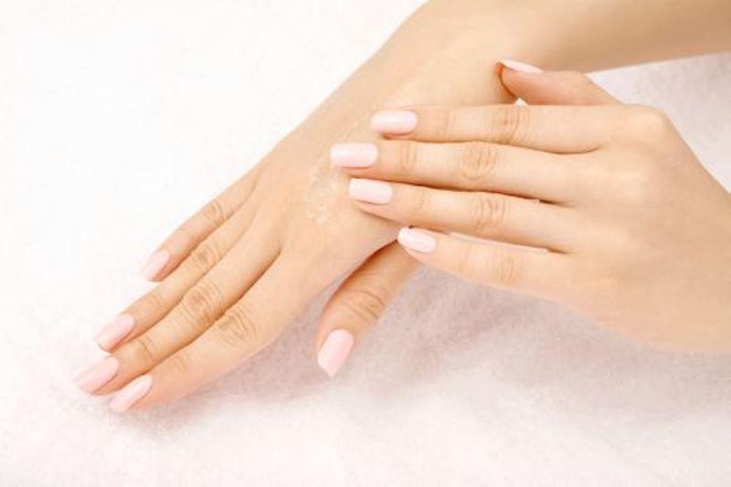Φυσική φροντίδα για τα χέρια