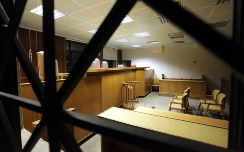 Ποινές φυλάκισης για δύο νεαρούς που εξέδιδαν την ανήλικη συμμαθήτριά τους