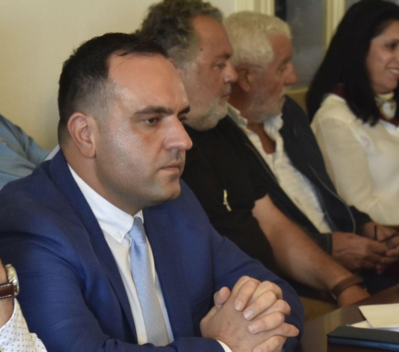 (vid) Πρωτοπόρα κίνηση Κουκά: Ανοίγει ο δρόμος για την άμεση εξυπηρέτηση εκατοντάδων πολιτών στην έκδοση ΤΑΠ