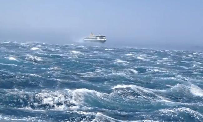 Συνεχίζεται το απαγορευτικό - Μέχρι πότε θα παραμείνουν δεμέμένα τα πλοία - Νέα ανακοίνωση του λιμεναρχείου