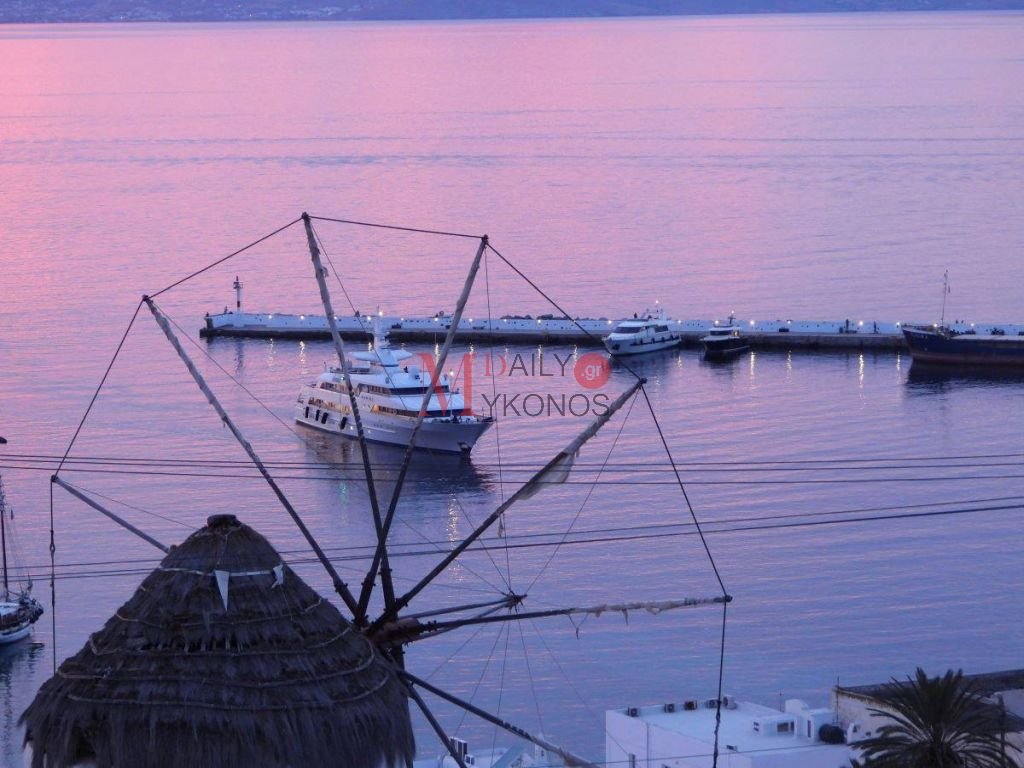 Videο: Στο λιμάνι της Μυκόνου η πολυτελής θαλαμηγός της Μαριάννας Λάτση