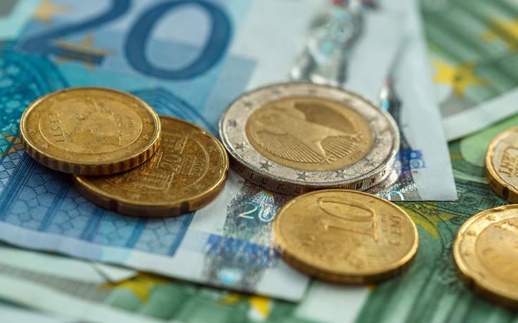 Στην Εφορία για τροποποιητικές δηλώσεις χιλιάδες μισθωτοί για να λάβουν επιστροφή φόρου