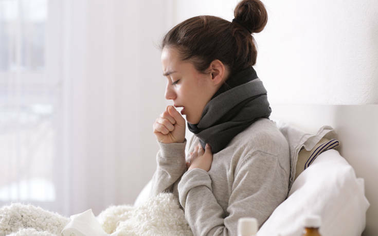 «Δεν είναι εύκολο να ξεχωρίσει κανείς τη γρίπη από τον κορονοϊό» – Ποιοι οι φόβοι του φετινού χειμώνα
