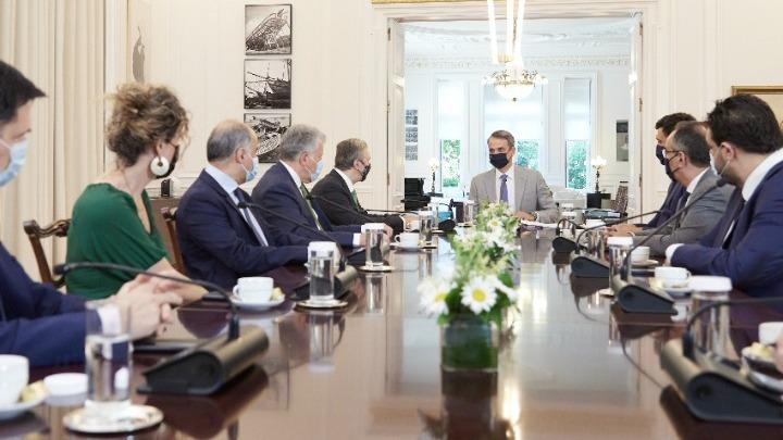 Τη μελέτη κατάρτισης του Εθνικού Σχεδίου για τη Δωρεά και Μεταμόσχευση Οργάνων παρέδωσε στον πρωθυπουργό ο πρόεδρος του ιδρύματος Ωνάση