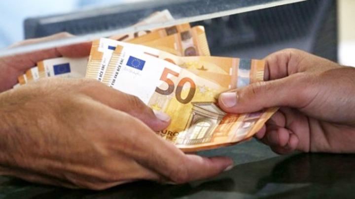 Κατατέθηκε το νομοσχέδιο για τη θέσπιση επιδόματος γέννησης ύψους 2.000 ευρώ