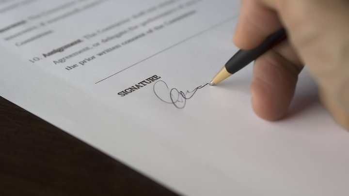 Νέο κεφάλαιο στις σχέσεις Ελλάδας-ΗΑΕ με πέντε συμφωνίες