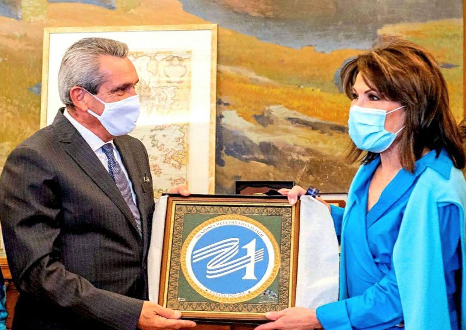 Την Πρόεδρο του «Ελλάδα 2021» Γιάννα Αγγελοπούλου, υποδέχθηκε ο Περιφερειάρχης