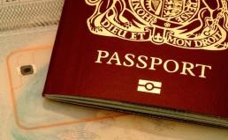 Συνελήφθησαν στο αεροδρόμιο για προσπάθεια επιβίβασης με παράνομα έγγραφα