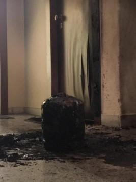Με γκαζάκια επιτέθηκαν στο πολιτικό γραφείο του Γεωργιάδη