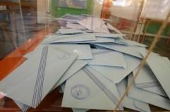 Το μεσημέρι του Σαββάτου το εκλογικό υλικό στη Μύκονο