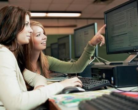 Εκθεση-έκπληξη: Οι πολλοί υπολογιστές στα σχολεία χειροτερεύουν τις επιδόσεις των μαθητών