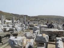 Προχωράνε οι εργασίες αναστήλωσης της Στοάς του Φιλίππου στη Δήλο