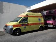 Υπάλληλοι δήμων και πυροσβέστες οδηγοί σε ασθενοφόρα Κέντρων Υγείας